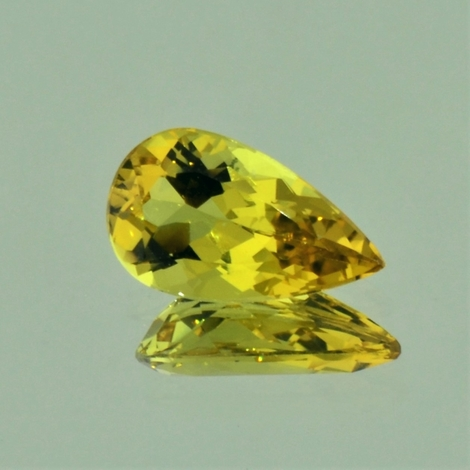 Beryl pear yellowish-green 2.99 ct