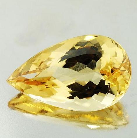 Golden Beryl pear 16.86 ct