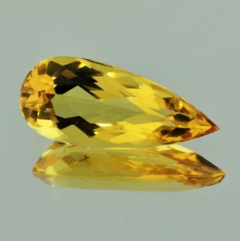 Goldberyll Tropfen 4,85 ct
