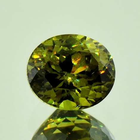 Granat Andradit oval 1,95 ct