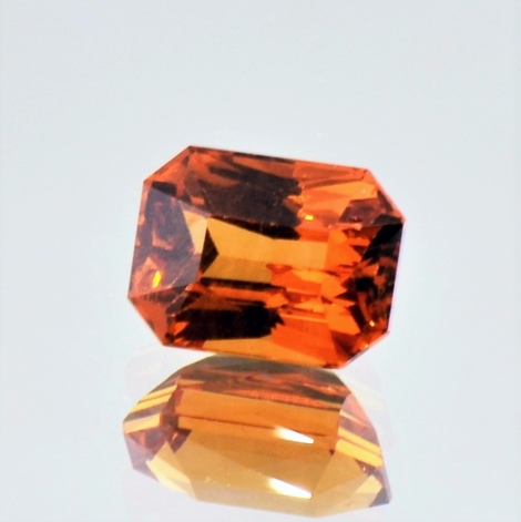 Garnet octagon orange 3.75 ct