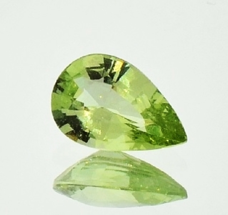 Garnet pear yellowish green 1.87 ct