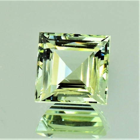 Beryl Heliodore Carre yellowish-green 7.84 ct
