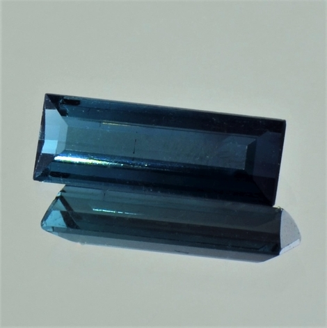 Indicolite Baguette dark blue 2.50 ct
