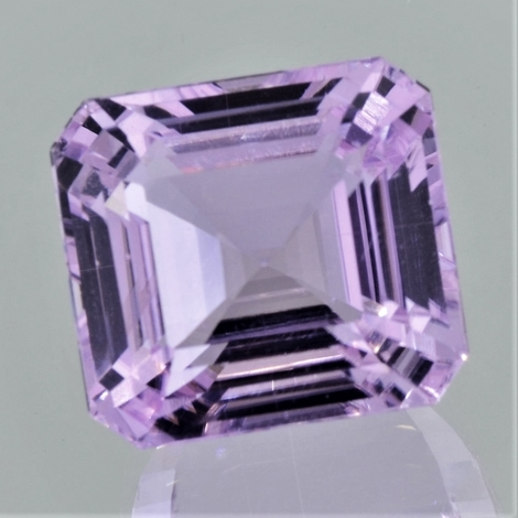 Kunzite octagon light pink 56.73 ct