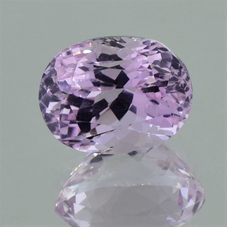 Kunzite oval light pink 6.56 ct