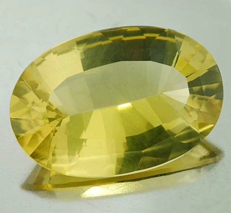 Lemon Quartz oval 197.80 ct