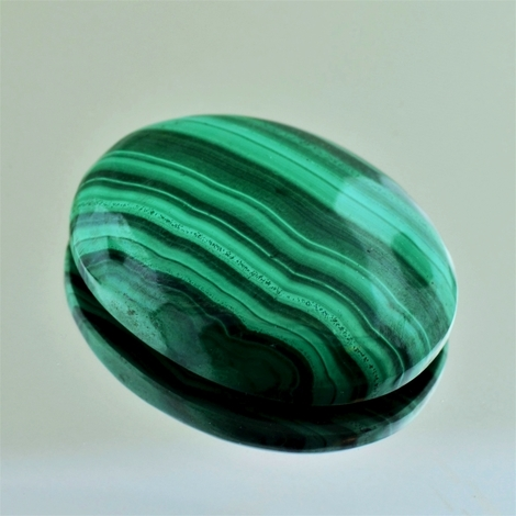 Malachite Cabochon oval 54.72 ct
