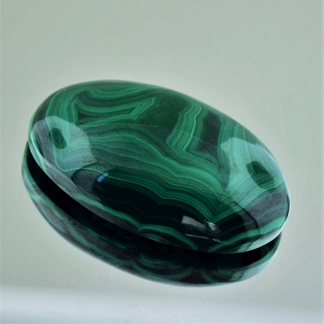Malachite Cabochon oval 80.04 ct