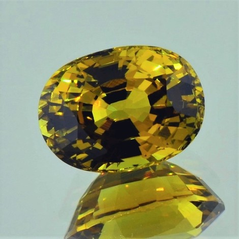Mali-Garnet oval yellowish-green 8.27 ct