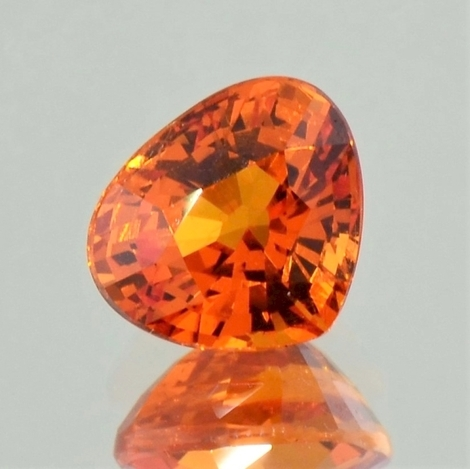 Mandarin-Granat Tropfen orange 4,59 ct.