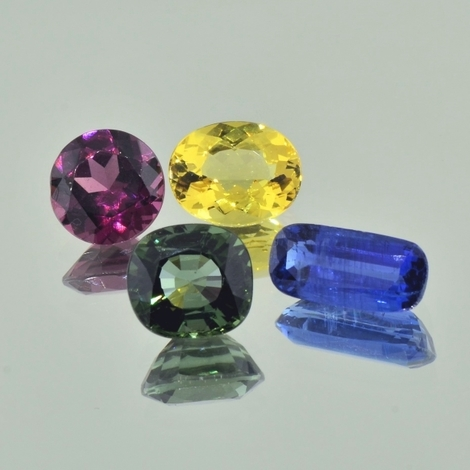 Mixed Lot facettiert multicolor 12,85 ct