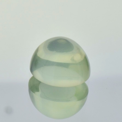 Moonstone Cabochon oval very light green 8.08 ct