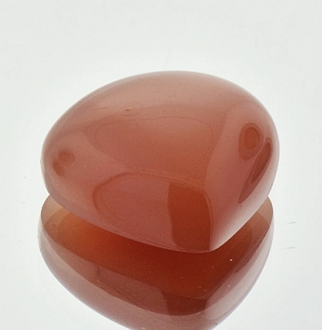 Moonstone Cabochon pear orangy brown 25.15 ct