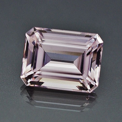 Morganite octagon light pink 24.70 ct