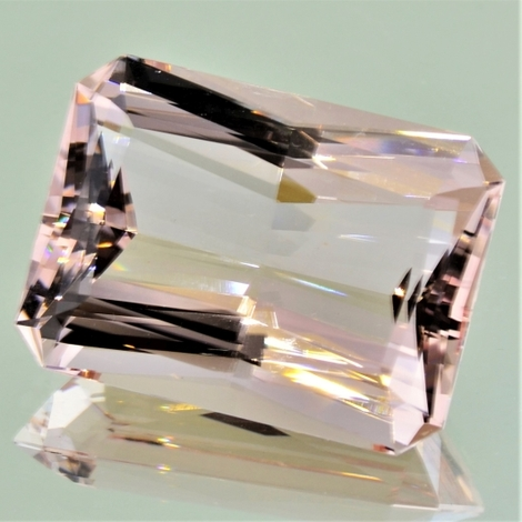 Morganit, Achteck facettiert (53,44 ct.) aus Madagaskar