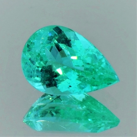 Paraiba Tourmaline pear green (neon) 3.66 ct