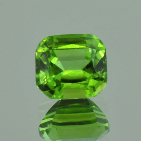Peridot, Antik facettiert (4,92 ct.) aus Pakistan (Kohistan)