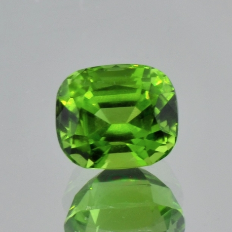 Peridot, Antik facettiert (6,41 ct.) aus Pakistan (Kohistan)