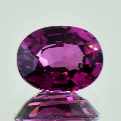 Rhodolith oval 5,05 ct
