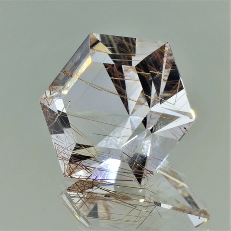 Rutilquarz Hexagon-Design farblos 70,74 ct