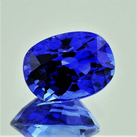 Saphir oval intensivblau 6,64 ct