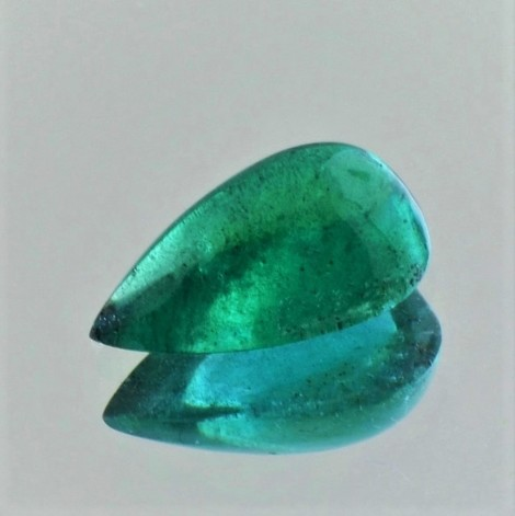 Emerald Cabochon pear 4.44 ct