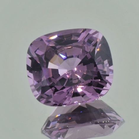 Spinel cushion lavendel 9.90 ct