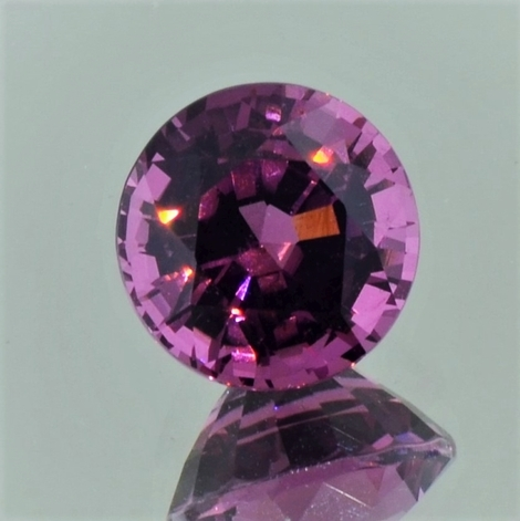 Spinell rund purpurrot 4,37 ct