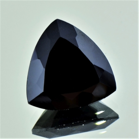 Spinel trillion black 10.10 ct