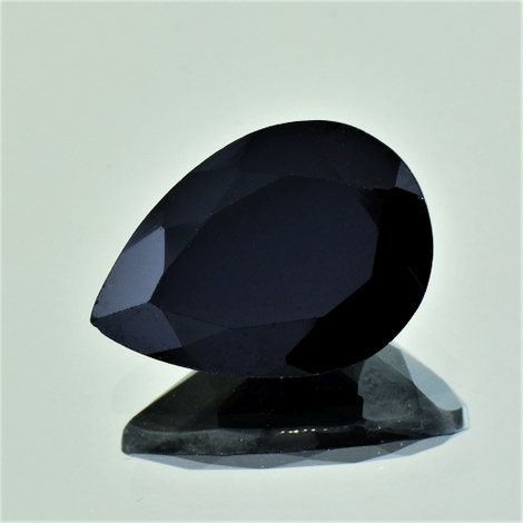 Spinel pear black 12.12 ct