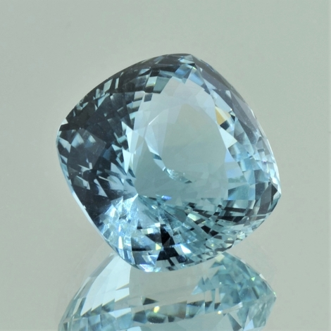 Topas, Antik facettiert (38,04 ct.) aus Madagaskar