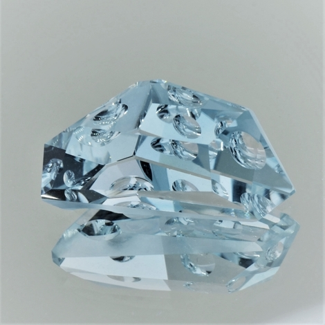 Topaz Fantasie light blue 33.55 ct