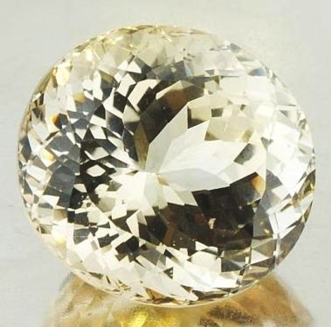Topaz oval champagne  67.85 ct
