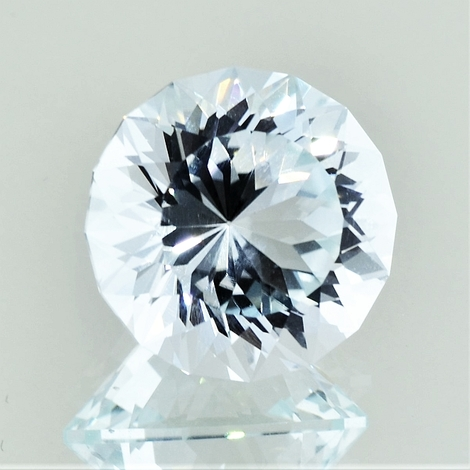 Topaz Rund-Design very light blue 17.80 ct