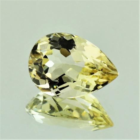 Topaz pear light yellow 8.54 ct