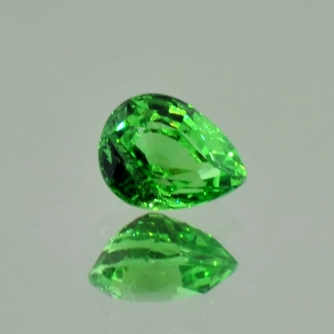 Tsavorite Garnet pear green 1.36 ct