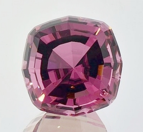 Tourmaline Designschliff intensives-Rosa 35.82 ct