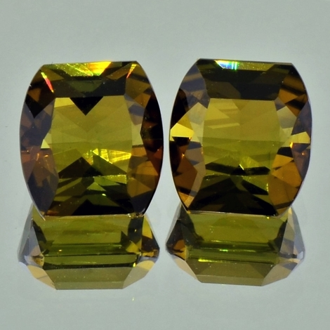 Turmalin Duo, Tonne facettiert (7,77 ct.) aus Afrika