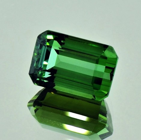 Green Tourmaline Tourmaline octagon green 8.57 ct