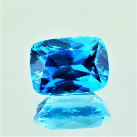 Zircon cushion blue 10.13 ct