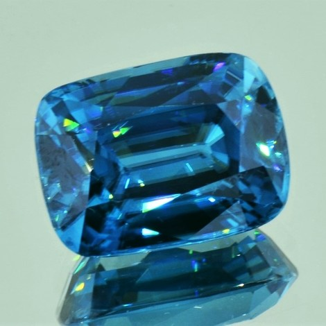 Zirkon antik intensivblau 25,25 ct