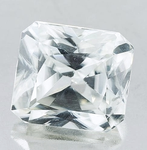 Zircon octagon colorless 13.74 ct